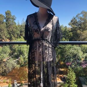 Dresses & Skirts - NWOT Lace maxi dress/cover up. One size fits SM-LG